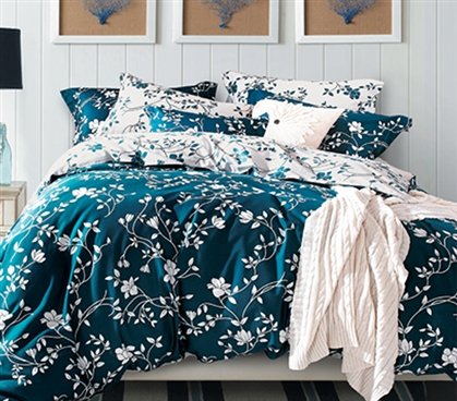 Moxie Vines Teal And White Twin Xl Comforter